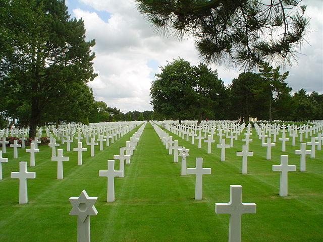 640px-American_military_cemetery_2003